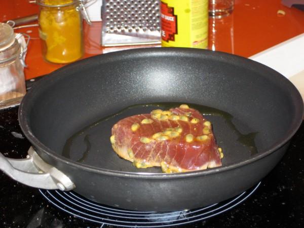 Mein erster Kochkurs: in Passionsfrucht marinierter Thunfisch